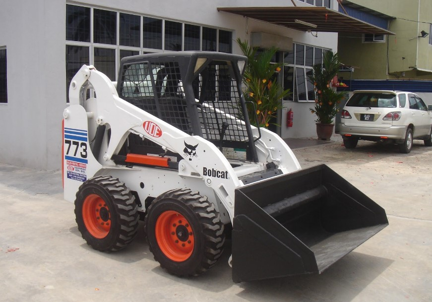 How to Use Bobcat Efficiently for DIY Work